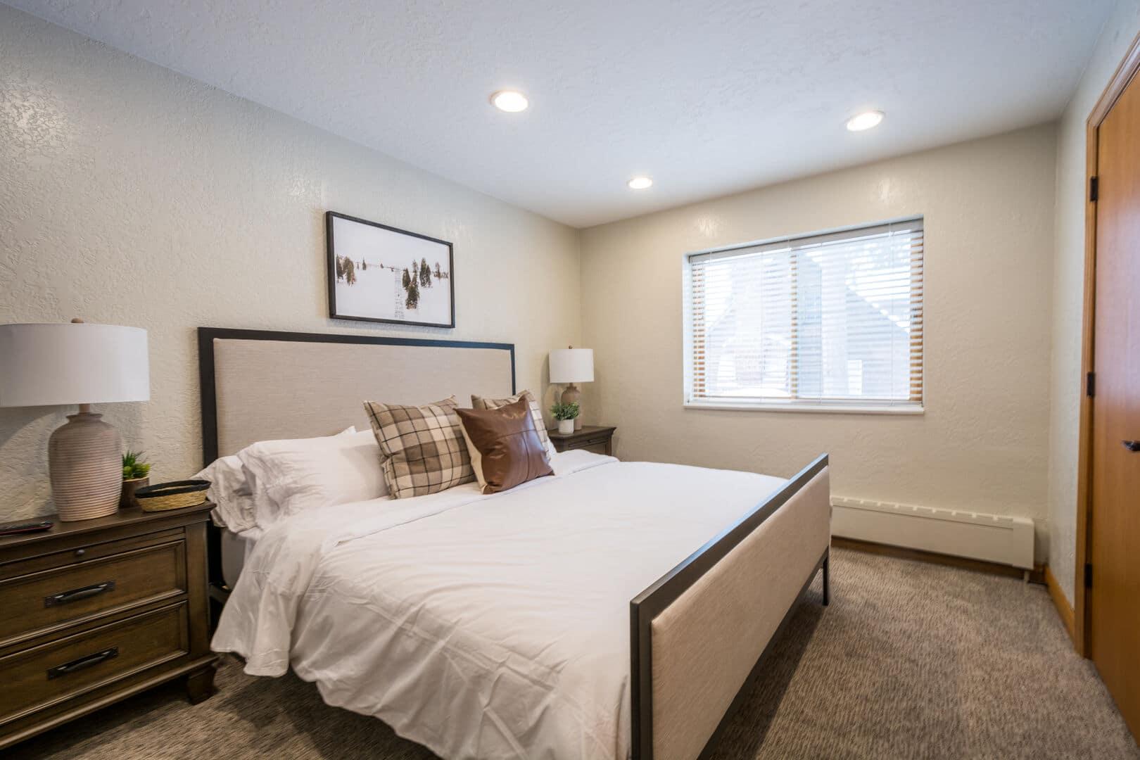 hidden falls suite utah bedroom